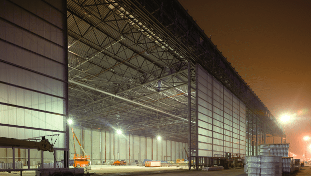 View of a hangar at Düsseldorf Airport, a customer of the Kraftanlagen Group in the field of building technologies, technical service